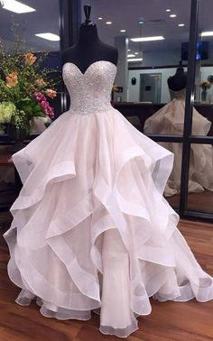 Long Wedding Dresses, Short Sexy Wedding Dresses, Wedding Dresses 2017, Short Wedding Dresses, White Wedding Dresses, Wedding dresses Train, Long White dresses, Sexy White Dresses, Sexy Wedding Dresses, Short White Dresses, Sleeveless Wedding Dresses, White Sleeveless Wedding Dresses, Sexy Wedding Dresses Sweetheart A-line Short Train Sequins Tulle Bridal Gown