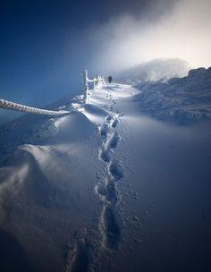 Так вот где живет снежная королева! (22 фото) Pathway to Śnieżka. Poland