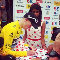 Jackpot for froome! Chris Froome, Pro Cycling, Group Tours, How To Memorize Things, Sports, Hs Sports, Sport