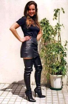 BOOHOO Heidi Side Split En Cuir Look Midi Jupe Taille 8 Bleu Marine