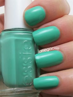 Swatch: Essie Resort 2013 First Timer | Jamegackie