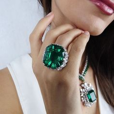 The ultimate emerald!! 47.72 carats Colombian, no clarity enhancement, exceptional transparency, by David Webb, pre-sale estimate $2-2.5 million. Necklace by Harry Winston with 38.02 carats Colombian emerald pre-sale estimate $350,000-600,000. ring