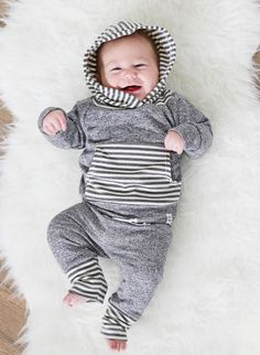 Listras com gorro - Grey stripe hoodie newborn baby hoodie french by ShopLuluandRoo Source by salvasista Hoodies Baby Outfits, Outfits Niños, Cool Baby, Baby Boys, Carters Baby, Toddler Boys, Little Babies, Cute Babies, Irish Baby Names