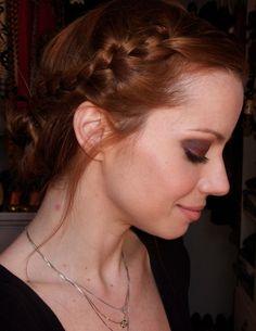Julia Petit: trança linda! #cabelo #ruiva #maquiagem #penteado