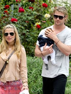 Elsa Pataky y su marido, Chris Hemsworth, con su hija India