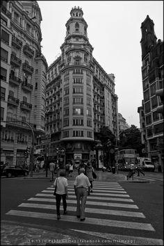 [2013 - Valencia - Espanha / España / Spain] #fotografia #fotografias #photography #foto #fotos #photo #photos #local #locais #locals #cidade #cidades #ciudad #ciudades #city #cities #europa #europe #pessoa #pessoas #persona #personas #people #street #streetview