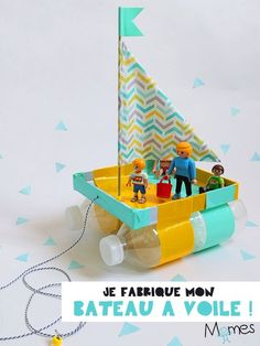 A shoebox lid, two bottles of water, a skewer pick, fabrics and vogue little boat! Discover step by step how to make a boat that floats on water for toys. Nanny Activities, Preschool Activities, Boat Crafts, Crafts For Kids, Projects For Kids, Diy For Kids, Boat Projects, Kids Boat, Make A Boat