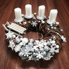 Christmas Mood, Holiday, Christmas Planters, Advent Wreath, Xmas Wreaths, Xmas Decorations, Diy And Crafts, Candles, Home Decor