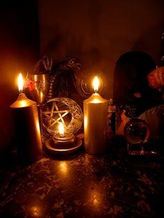 Yule altar    #pagan #wicca #altar