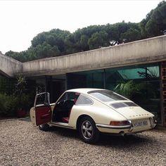 Fashion Gone rouge: Photo Old Vintage Cars, Vintage Porsche, Vintage Sport, Vintage Vibes, My Dream Car, Dream Cars, Porche 911, Pretty Cars, Classic Cars