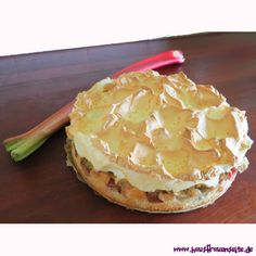 Rhabarberkuchen mit Baiserhaube