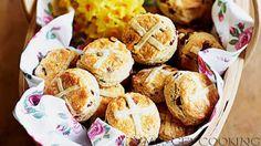 VMBS GET COOKING : Hot cross scones