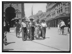 Throwback Thursday to 1900: Amateur photographer Frederick Danvers Power snapped this photo of Martin Place at the turn of the century. Recognise any of it now?  Photo credit: The State Library of New South Wales flikr stream — with Sayantani Das, Roz Mary, Viki Litrivi, Sukla Chakraborty and Alvaro Tudorin.
