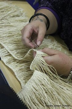 Karmen Thomson - a beautiful weaver's hands Flax Weaving, Maori Art, I Give Up, Creative Inspiration, Twine, Woodwork, Macrame, Weave, Arts And Crafts