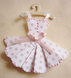Making Mini Dresses and clothes for cardmaking and papercraft projects - Mementoes In Time Trying this for my daughters birthday! Paper Cards, Diy Cards, Origami Vestidos, Paper Clothes, Origami Dress, Dress Card, Cardmaking And Papercraft, Candy Cards, Scrapbook Embellishments