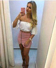 Healthy living tips wellness programs for women Denim Skirt, Leather Skirt, Festival Make Up, Casual Looks, Curvy, Mini Skirts, Plus Size, Womens Fashion, Sexy