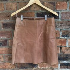 Genuine leather skirt, Zara, hipster, zip at the back. Selling Online, Second Hand Clothes, Zara, Stuff To Buy, Shopping, Fashion, Moda, Fashion Styles, Fashion Illustrations