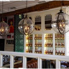 Lámparas colgantes con bola de cristal fabricadas para el restaurante La Canica de Madrid. www.dajor.es #dajorlightingfactory #dajor #interiorismo #lampara #lamparas #lamparacolgante #lamparavintage #lamparasvintage #lampararestaurante #restaurantemadrid
