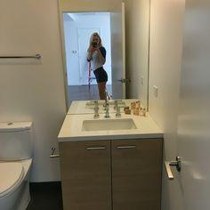 "Hall bathroom  Door to mirror:6'7"""