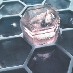 Hex Ice Cube Tray / Chilling ice in a perfectly designed ice tray that's shaped like the honeycomb inside a beehive is stepping towards reality with the Hex Ice Cube Tray. http://thegadgetflow.com/portfolio/hex-ice-cube-tray/