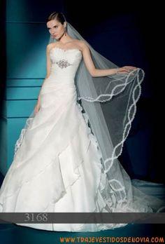 3168 Organza Vestido de Novia Demetrios Bride