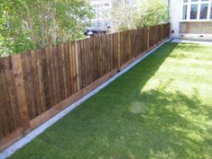 5 Portentous Tips: Modern Fence With Gate Modern Front Yard Fence Designs.Fence Ideas Lowes Modern Fence With Gate.Fencing Ideas To Keep Dogs Out Of Garden. Landscaping Along Fence, Backyard Fences, Backyard Projects, Backyard Landscaping, Luxury Landscaping, Landscaping Ideas, Garden Fences, Front Yard Fence, Dog Fence