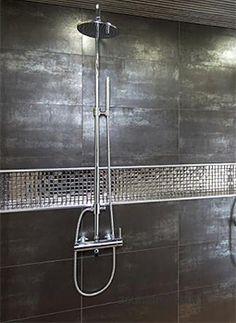 Suihkut: Mattaharmaa vs. metallinhohtoinen – Ellit.fi Bathtub, Bathroom, Standing Bath, Washroom, Bathtubs, Bath Tube, Full Bath, Bath, Bathrooms