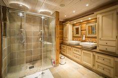 UGLA - Noen ganger går drømmer i oppfyllelse. Corner Bathtub, Alcove, Real Estate, Bathroom, Washroom, Real Estates, Full Bath, Bath, Bathrooms