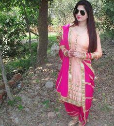 Punjabi Suit: Best Collections of Punjabi Suites Images in 2019 Designer Punjabi Suits Patiala, Punjabi Suits Designer Boutique, Patiala Suit Designs, Indian Designer Suits, Salwar Designs, Embroidery Suits Punjabi, Embroidery Suits Design, Embroidery Dress, Hand Embroidery