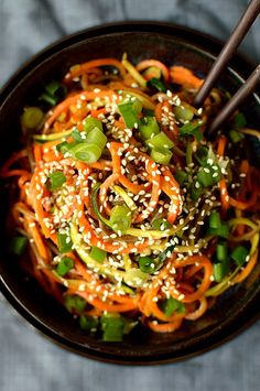Spiralized vegetable noodle bowls with peanut sauce; super healthy, filling and delicious!