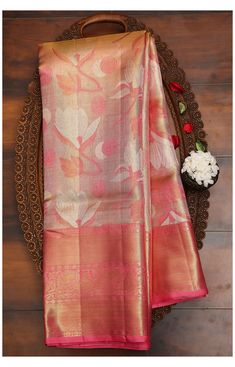 Indian Bridal Sarees, Indian Silk Sarees, Wedding Silk Saree, Soft Silk Sarees, Kanchipuram Saree Wedding, Gold Silk Saree, Chiffon Saree, Simple Saree Designs, Half Saree Designs