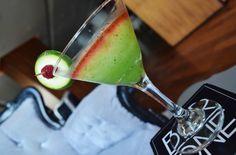 Spicy and sweet! Can you guess the name of this cucumber drink? #FridayFunday   Picante y dulce, ¿Puedes adivinar el nombre de esta bebida de pepino? #BarOne