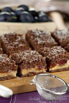 Ciasto ze śliwkami i budyniem Plums And Custard, Sweet Tooth, French Toast, Muffin, Cooking Recipes, Sweets, Fruit, Breakfast, Food