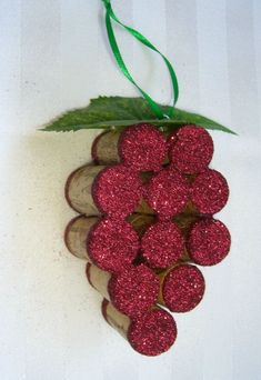 This handmade ornament is made out of 11 full size recycled wine corks and is embellished with just the right amount of wine colored glitter, green recycler des bouchons Wine Craft, Wine Cork Crafts, Wine Bottle Crafts, Wine Bottles, Bottle Candles, Wine Cork Ornaments, Handmade Ornaments, Glitter Ornaments, Holiday Crafts