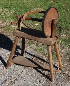 PRIMITIVE EARLY 19th C. UNUSUAL FLAX WHEEL WITH 12in DIA  (amazing the simple tools that did so much.)