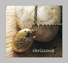 Medaillon Kette Glücksklee Perlen bronze vintage von chrissona auf DaWanda.com