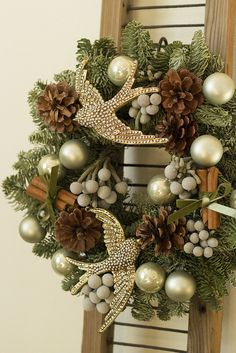 Gorgeous Christmas wreath - love the addition of sparkly swallows. Christmas Door, All Things Christmas, Christmas Holidays, Christmas Crafts, Wreath Crafts, Diy Wreath, Wreath Ideas, Holiday Wreaths, Holiday Decor