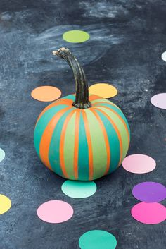 DIY Chalk Paint Mini Pumpkin using FolkArt Home Decor Chalk
