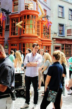 If I ever saw either of the Phelps twins in Harry Potter world I would completely freak out.