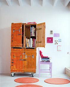 Oranje kistkast- crafty cabinet
