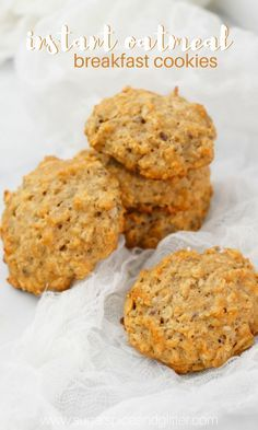 Healthy Oatmeal Cookies from Instant Oatmeal Mix (with Video) ⋆ Sugar, Spice and Glitter Instant Oatmeal Cookies, Instant Oatmeal Recipes, Oatmeal Breakfast Cookies, Breakfast Cookie Recipe, Healthy Oatmeal Cookies, Oat Cookies, Cookies Et Biscuits, Cookie Recipes, Breakfast Recipes