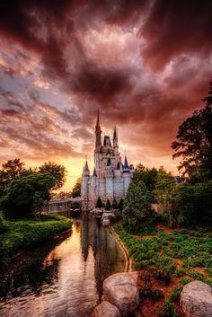 Castelo de Princesa, coberto de nuvens rosa!