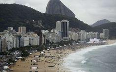 Multidão de fiéis enfrenta chuva e frio na abertura da JMJ em Copacabana - Rio de Janeiro - iG