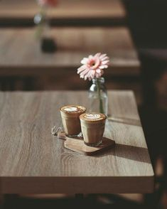 Rustic cafe :) discovered by Life//Beauty on We Heart It Coffee Is Life, I Love Coffee, Coffee Break, My Coffee, Coffee Drinks, Morning Coffee, Coffee Time, Coffee Shop, Coffee Cups