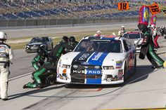 Ricky coming in for 4 fresh tires and a load of fuel at Kentucky!