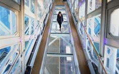 Estrena piso de cristal puente peatonal de Torre de Londres