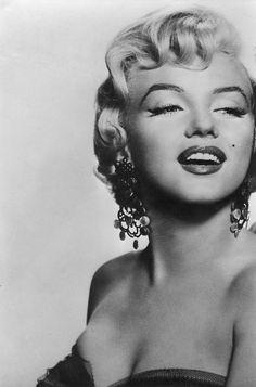 A glam Marilyn...