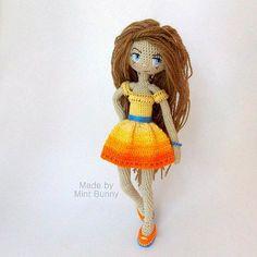 Yulia, happy dollmaker✌ @mint.bunny  расскажу немного о ней, но все в общем-то как обычно: хлопок, волосы – полушерсть, каркас через все тело, металлический гранулят. Снимается только обувь. И браслет. Можно делать причёски. (О, кстати, про прически тоже завтра покажу!) стоит сама, в обуви, и без обуви тоже. Но не как на фото, а если только более менее прямо вообще, все эти кукольные выкрутасы на фото, и позирования, – это просто мои уловки, в таких позах они стоять не могут