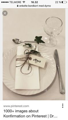 bordkort på serviett / tablecards on the napkins wedding Decoration Table, Table Centerpieces, Outdoor Wedding Inspiration, Wedding Places, Deco Table, Party Items, Diy Wedding Decorations, Table Cards, Wedding Table