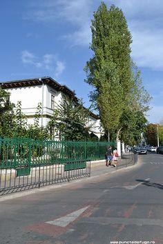 scoala centrala de fete Sidewalk, Side Walkway, Walkway, Walkways, Pavement